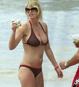 Television host Nancy O'Dell bikini pictures