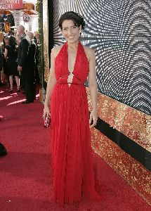 Lisa Edelstein picture/photos at the 59th Emmy Awards
