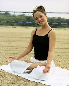 Eliza Dushku : eliza dushku yoga 5 big