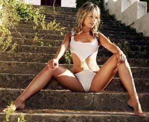 Sexy model Jakki Degg bikini pictures