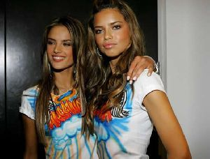 Sexy models Adriana Lima and Alessandra Ambrosio pictures