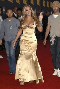 Sexy Beyonce Knowles pictures at the 2007 American Music Awards