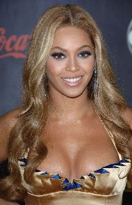 Sexy Beyonce Knowles picture at the 2007 American Music Awards