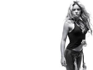 SHAKIRA : Shakira 005