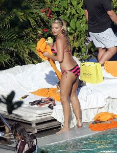 Brooke Hogan : 04958 brooke hogan bikini nov 7 big 123 669lo