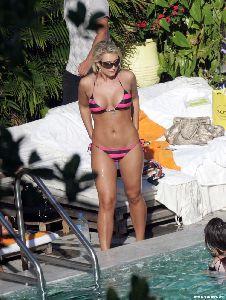 Brooke Hogan : 04980 brooke hogan bikini nov big 123 492lo