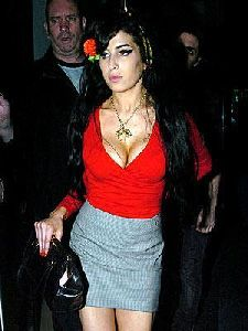 Amy Winehouse : wine-rack 300x400