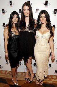 Kim Kardashian with kourtney and klohe kardashian