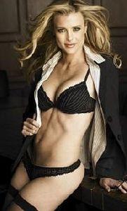 Kristine Lefebvre : playboy-shoot 205x339