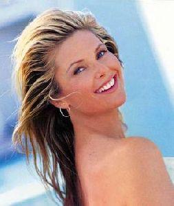 Christie Brinkley : christie-brinkley-photo 300x355