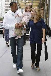 alex rodriguez : alex-rodriguez-wife-daughter 207x308