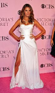 Alessandra Ambrosio at Victoria's Secret Fashion Show on 16th November, 2006
