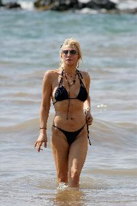 Courtney Love : Courtney Love Bikini 17