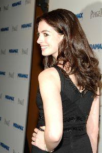 Anne Hathaway : Anne+Hathaway+7322