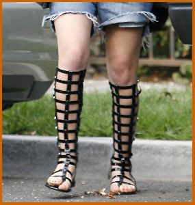 Mary-Kate Olsen : olsen twins38 487cbdb4709b8