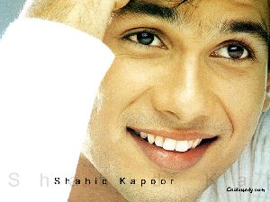 Shahid Kapoor : Shahid-1024-02