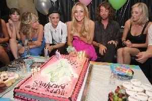 Lindsay Lohan birthday cake with samantha Ronson on July 2nd 2008