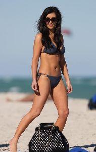Kim Kardashian : kim at Miami beach 17th November, 2008