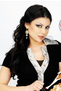 Haifa Wehbe : haifa posing for a photo shoot