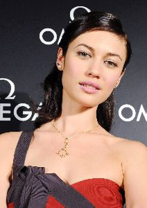 Olga Kurylenko : Olga picture on the red carpet of the Omega, 007 James Bond Quantum Of Solace Party in Tokyo, Japan, November 23 2008