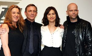 Olga Kurylenko : Olga Kurylenko Quantum of Solace press conference in Tokyo with Daniel Craig and Marc Forster