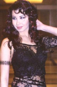 Nancy Ajram : an old picture of nancy ajram akhasmak ah