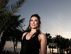 Nadine Labaki : nadeine on the set of Caramel the best lebanese film for 2008
