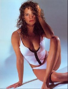 Jill Goodacre : jill curly hairstyle