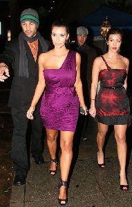 Kim Kardashian : new appearance of Kim Kardashian with Kourtney Kardashian together for a Dancing with the Stars after party