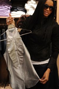 Ciara : latest appearance of Ciara spotted shoping at a French Connection clothing store on December 11, 2008 in New York City