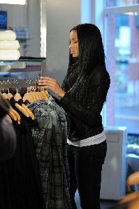 Ciara : Ciara spotted in New York accompanied by bodyguards shopping at a French Connection clothing store on December 11, 2008 in New York City
