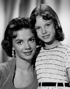 Lana Wood : with sister Natalie Wood in 1956