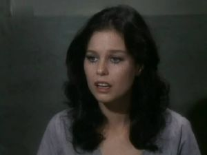 Lana Wood : dark wavy hair