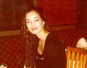 Azra Akin : old photo wavy hair