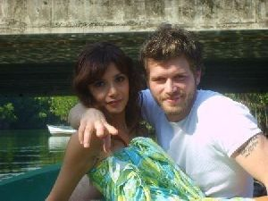 Songul Oden and Kivanc Tatlitug together in a boat