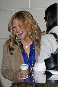 Kate Hudson : and Anne Hathaway sharing a cup of coffee together for Bride Wars movie promotion yesterday 5th January 2009