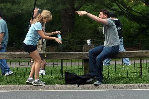 Kate Hudson filming Bride Wars in Central Park may 2008