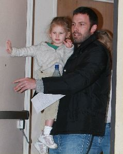 Ben Affleck picks up his 3-years daughter Violet from school