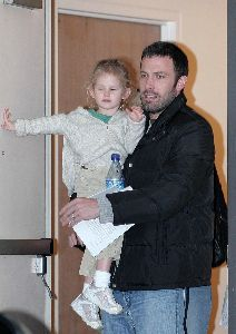 Ben Affleck picks up Violet from school
