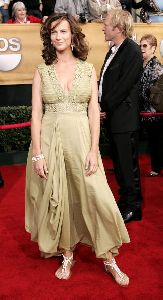 Rachel Griffiths : arrives at the 12th Annual Screen Actors Guild Awards held at the Shrine Auditorium on January 29, 2006 in Los Angeles, California