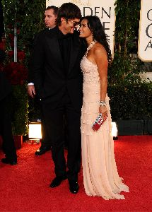 Demi Moore : arrives with her husband Ashton Kutcher at the 66th Annual Golden Globe Awards held at the Beverly Hilton Hotel on January 11, 2009 in Beverly Hills, California