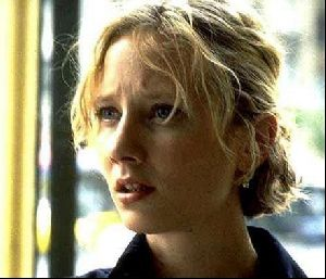 Actress anne heche : 32