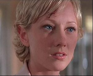 Actress anne heche : 33