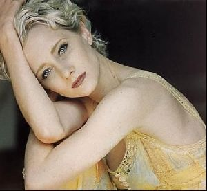 Actress anne heche : 37