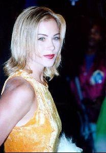 Actress christina applegate : 94