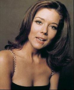 Actress diana rigg : 16