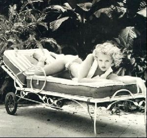 Actress drew barrymore : 92