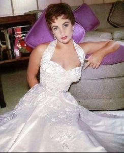 Actress liz taylor : 30