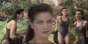 Actress terry farrell : 10