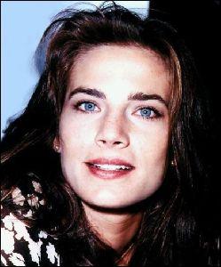 Actress terry farrell : 8